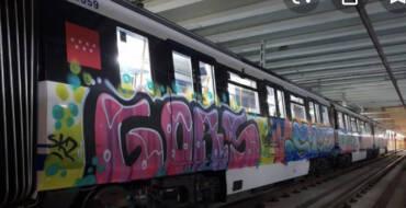 Cinco grafiteros detenidos por causar daños en medio kilómetro de vagones de Renfe