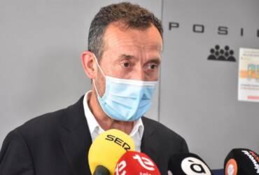 """El alcalde de Elche muestra """"máxima                                              disposición a colaborar con la Justicia y a facilitar toda la información"""" tras una denuncia del PP ante la Fiscalía"""