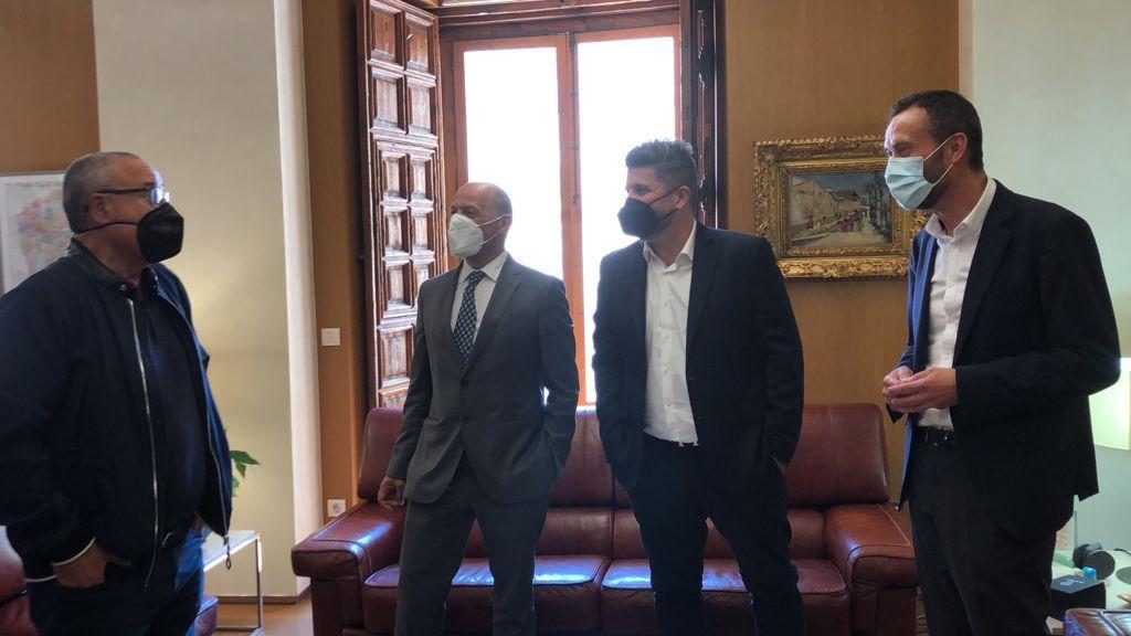 L'alcalde rep el propietari de l'Elx CF a l'Ajuntament