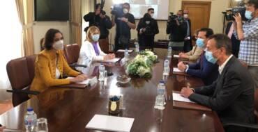 La ministra de Industria anuncia avances en la resolución del conflicto por las tasas de EE UU a la exportación de calzado