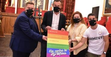 L'Ajuntament es compromet a protegir els drets de les persones LGTBI en el Dia Mundial contra la LGTBIfòbia