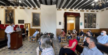 El Salón de Plenos del Ayuntamiento de Elche acoge la toma de posesión de 10 nuevos funcionarios