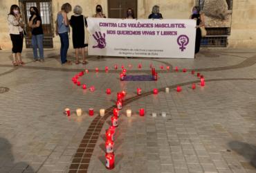 El Ayuntamiento de Elche se suma a las manifestaciones para mostrar su repulsa contra la violencia vicaria y el aumento de asesinatos machistas