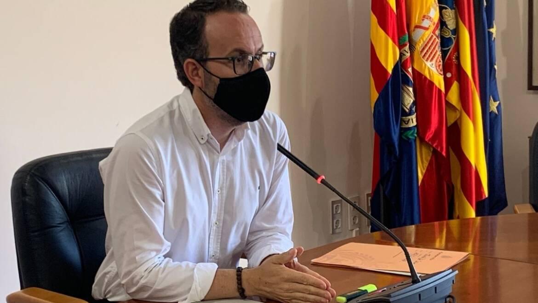 El Ayuntamiento inicia el expediente de resolución del contrato de la reurbanización de la calle Virgen de la Cabeza y asume la finalización de la obra