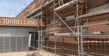Educació adjudica de manera definitiva les obres de reparació de la façana de l'IES Torrellano