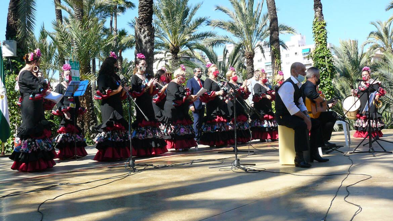 Las celebraciones rocieras de Elche culminan en el Hort de Baix con un alarde de genuino duende andaluz