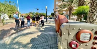 El Ayuntamiento de Elche estrena nueve puntos limpios de proximidad en las pedanías y el casco urbano para reciclar cápsulas de café, bombillas y aerosoles, entre otros enseres