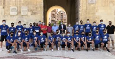 El alcalde felicita al infantil masculino del CV Elche-Salesianos tras proclamarse campeones de España