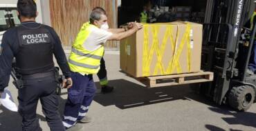 La Policia Local intercepta un vehicle que portava 51 paquets de tabac de contraban