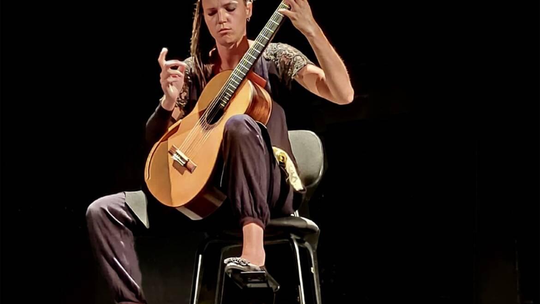 El XXIII Festival de Guitarra d'Elx acaba aquest dissabte amb l'actuació d'Álvaro Pierri al costat de Juan Carlos Chornet