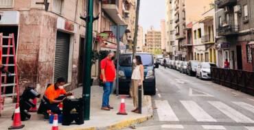 La concejalía de Movilidad y Tráfico instala cinco nuevos cruces semafóricos para mejorar la seguridad vial