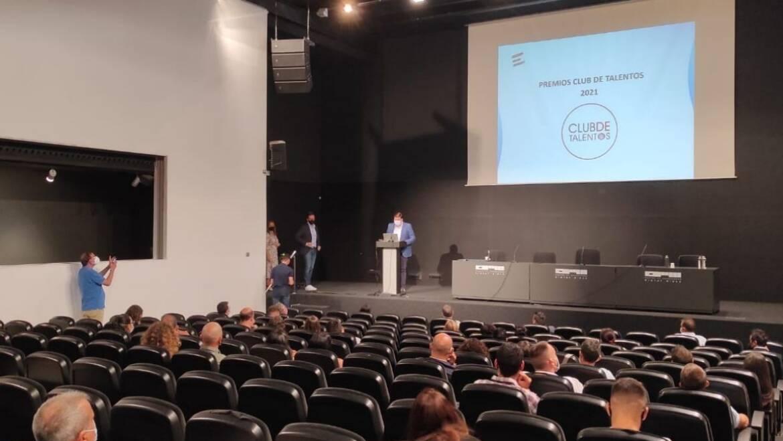 L'Ajuntament d'Elx rep el Premi d'Honor en la I Jornada d'Educació Financera
