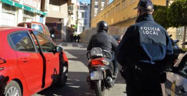 La Policia Local deté dues persones per circular amb un vehicle robat