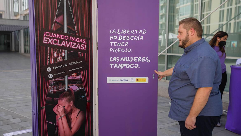 Igualdad inaugura la campaña 'Bienvenidos a la explotación' en contra de la trata de mujeres y menores en la industria del sexo