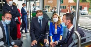 La ministra de Transportes pone como ejemplo de sostenibilidad en España la peatonalización de la Corredora, los huertos urbanos y la amplia red de carriles bici en Elche