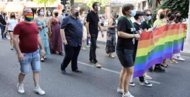 La manifestación Elx Orgullosa 2021 congrega en las calles de la ciudad una marea multicolor