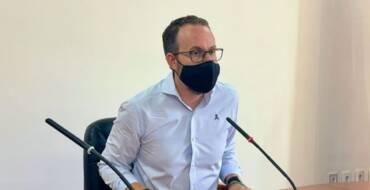 La Junta de Govern d'Elx acorda suspendre la taxa de taules i cadires durant sis mesos i congelar els impostos