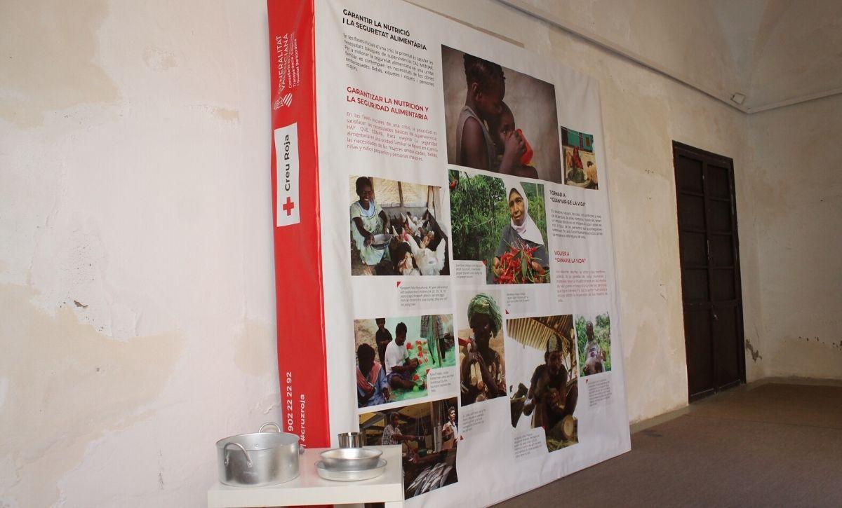 Inauguración exposición 'Acción Humanitaria' en el Centro Cultural Las Clarisas -5